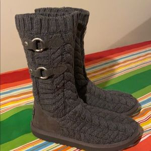 UGG boots gray knit size 6